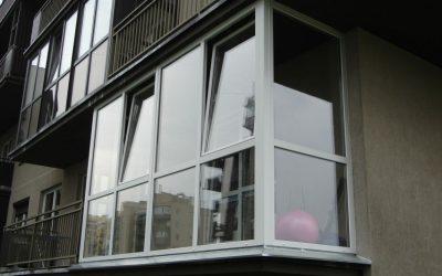 Balkono įstiklinimas daugiabučiame name taisyklės